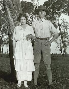 Karen_Blixen_and_Thomas_Dinesen_1920s