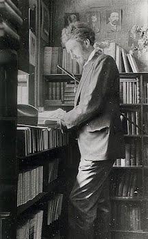 Pound_Ezra_library